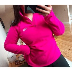 the north face •pink / lightweight pullover fleece